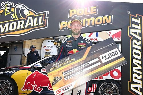 Tasmania Supercars: Van Gisbergen storms to record pole