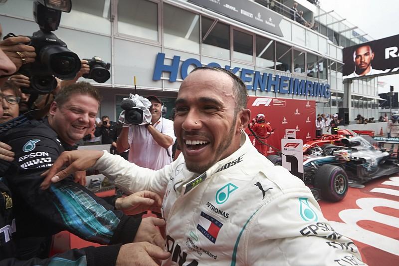 ÉLŐ F1-ES MŰSOR: Hamilton-FIA, Vettel-blama, jön a Magyar Nagydíj
