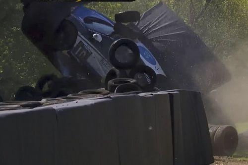 Video: Megaklapper voor Ricardo van der Ende op Brands Hatch