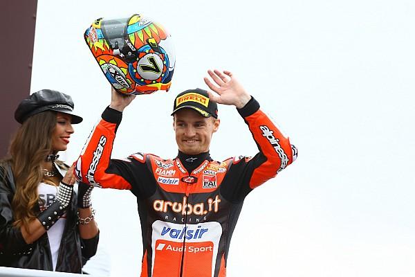 Superbikes Davies verschalkt Rea in tweede WSBK-race Aragon, Van der Mark vijfde