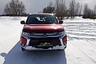 Автомобілі Тест-драйв: занесений снігом Mitsubishi Outlander