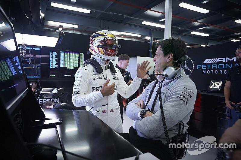 """Toto Wolff: """"Ferrari ha mejorado en el rendimiento"""""""