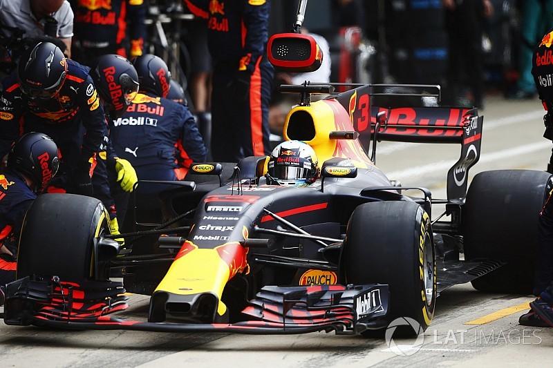 Britanya'da günün pilotu Ricciardo oldu