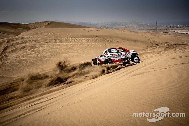 Al Attiyah comienza liderando el Dakar por delante de Sainz