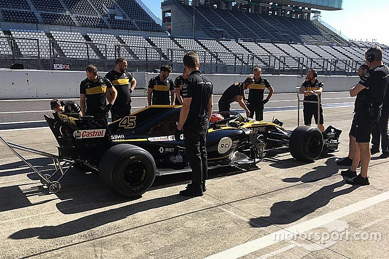 Aitken, Renault ile Pirelli lastik testini tamamladı