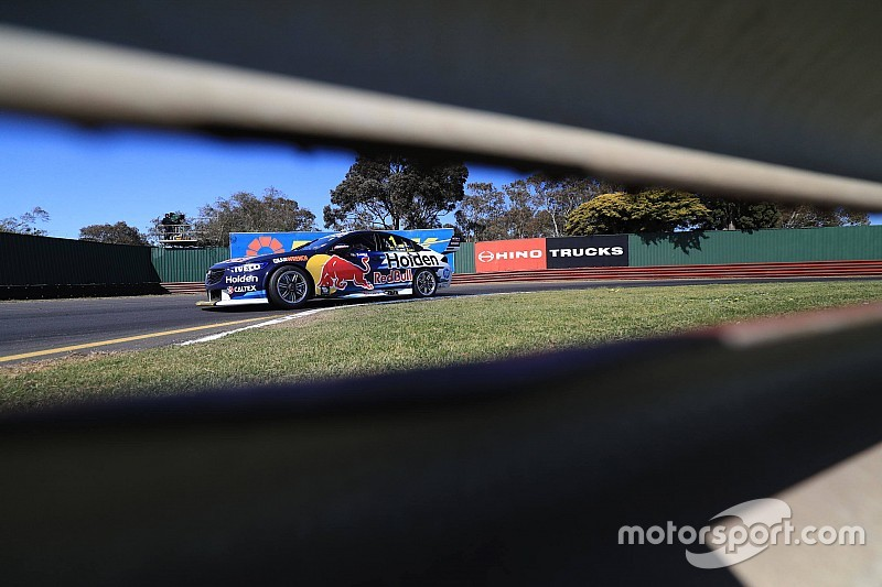 Sandown 500: Whincup fastest, Mostert shunts in Practice 2