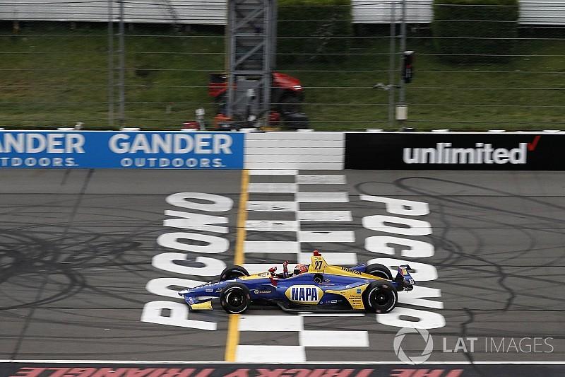 Rossi lidera una práctica interrumpida por lluvia