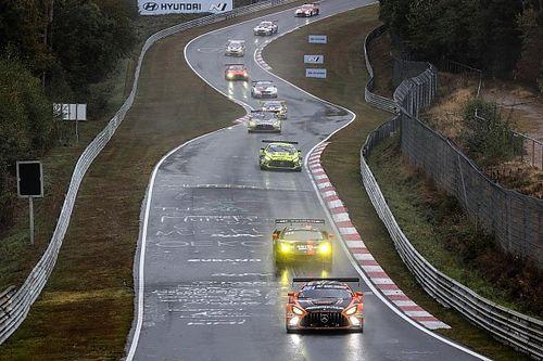 Fotos y vídeos: la locura de las 24h de Nurburgring en el Nordschleife