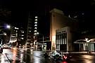 VIDEO: Carros de F1 fazem demonstração noturna em Adelaide
