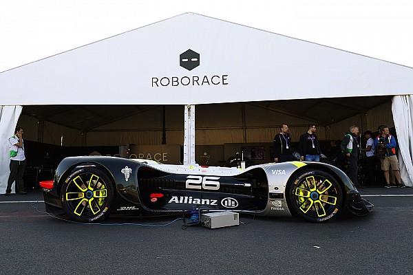 Roborace Son dakika Roborace aracı Paris ePrix öncesi ilk kamuya açık turlarını attı