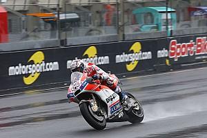 MotoGP Reporte de pruebas Dovizioso lidera el segundo libre pasado por agua; Márquez a 0.043