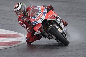 MotoGP Breaking news VIDEO: Lorenzo terjatuh saat pimpin balapan