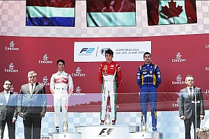 FIA F2 Race report F2 Baku: Gelael picu red flag, Leclerc juara feature race