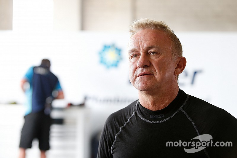 Ingall to sample Triple Eight Holden