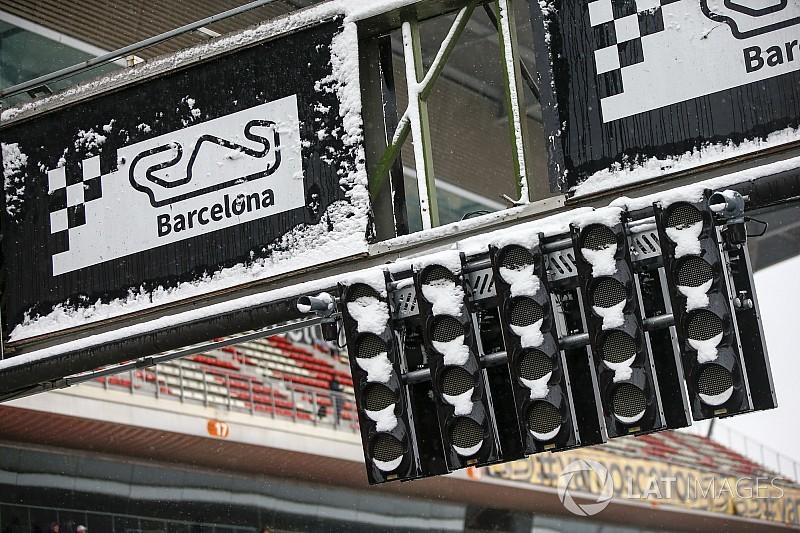 Тесты в Барселоне «стартовали» с трехчасовым опозданием