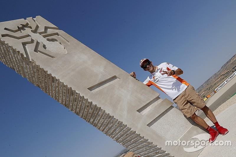 Motorland inaugura curva con el nombre de Marc Márquez