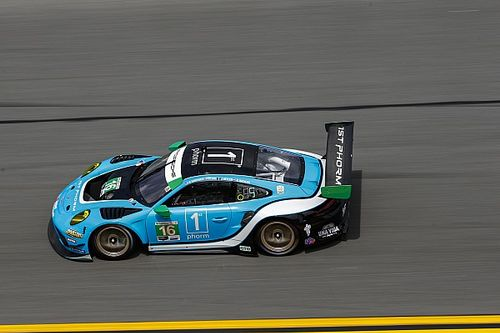 Late changes for Wright Motorsport following crash