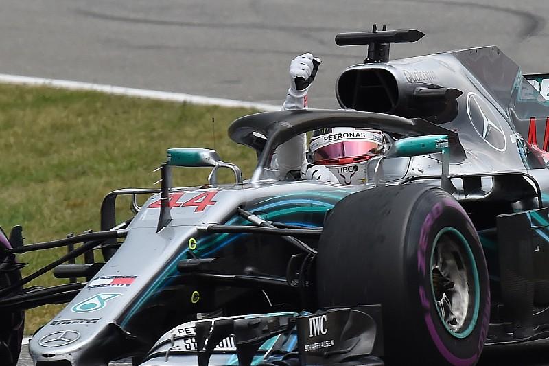 Resmi: Hamilton kınama aldı, galibiyeti korudu!