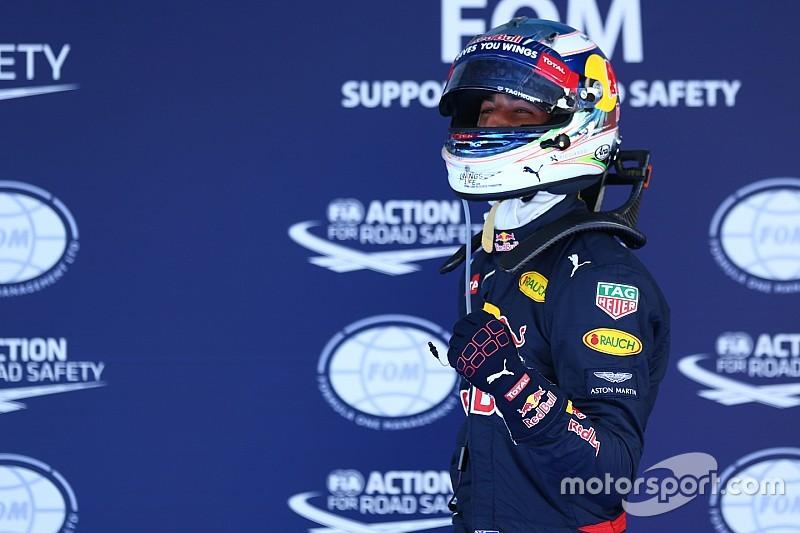 """Ricciardo: """"Molto contento di essere davanti alle due Ferrari"""""""