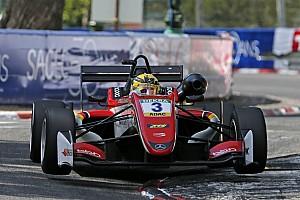 فورمولا 3 الأوروبية تقرير السباق فورمولا 3: غونتر يُحرز فوزه الأوّل هذا الموسم في السباق الثاني لجولة بو