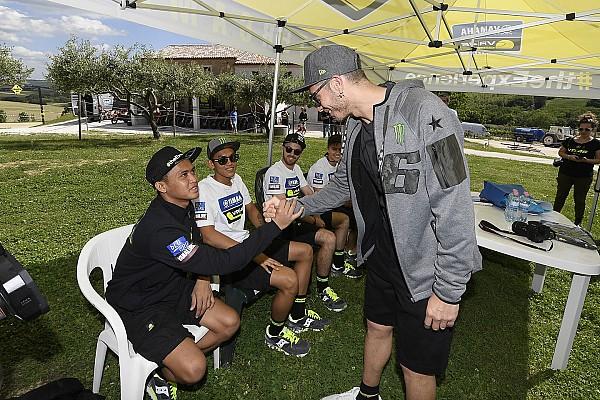 Other bike Reactions Anggi Setiawan berjumpa dengan Valentino Rossi