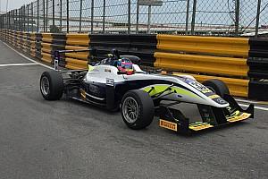 Formula Renault BRÉKING Remek szezont zárt Habsburg Ferdinánd