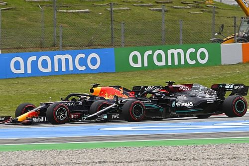 "Hamilton ""made sure"" to give Verstappen space at Turn 1"