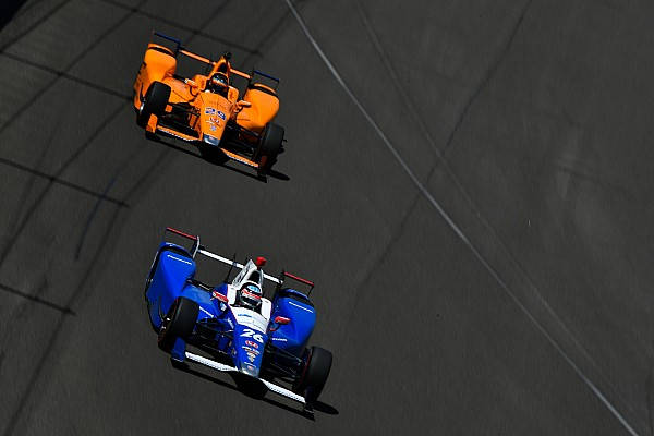 Mesmo sem quebrar, Alonso não ganharia Indy 500, diz Sato