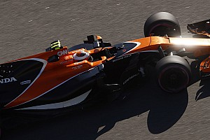 Формула 1 Важливі новини Алонсо вражений штрафом напарника за заміну двигуна вже у четвертій гонці