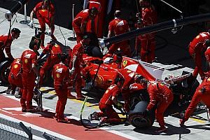 Vettel nyerte a második edzést Szocsiban Räikkönen előtt: lassú a Mercedes