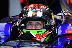 Hartley stays at Toro Rosso for Mexico, Kvyat dropped