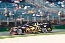 Рейнольдс выиграл финальную гонку Supercars в Альберт-парке