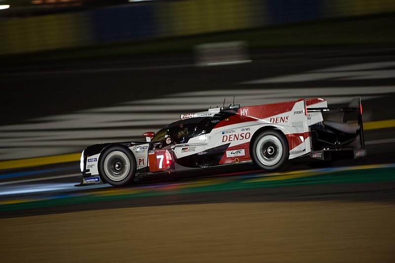 Update 24h Le Mans 2018: Toyota bei Einbruch der Nacht tadellos