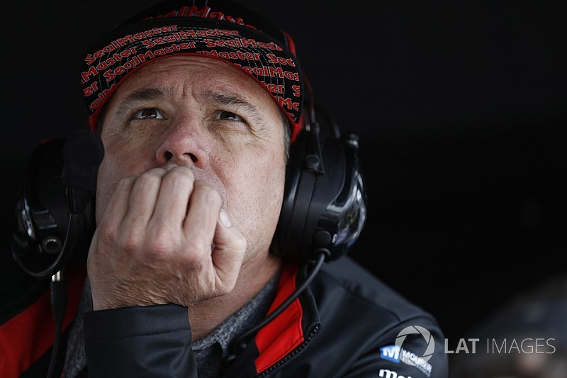 Vasser cree que IndyCar está listo para superar la separación
