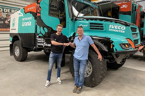Van den Brink stapt tijdens Dakar 2022 in bij Team De Rooy