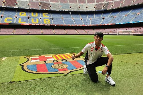 Mario Suryo Aji Sambangi Markas FC Barcelona