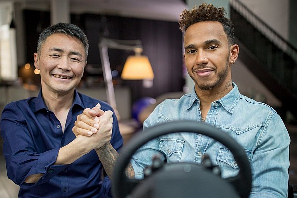 Virtual Breaking news VIDEO: Lewis Hamilton jadi mentor di Gran Turismo Sport