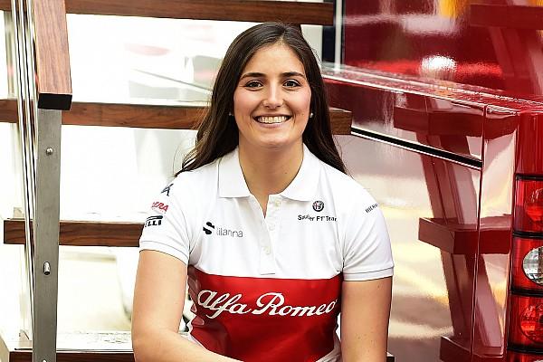 """女性ドライバーのカルデロン、F1マシンのドライブは""""新しい一歩""""と語る"""