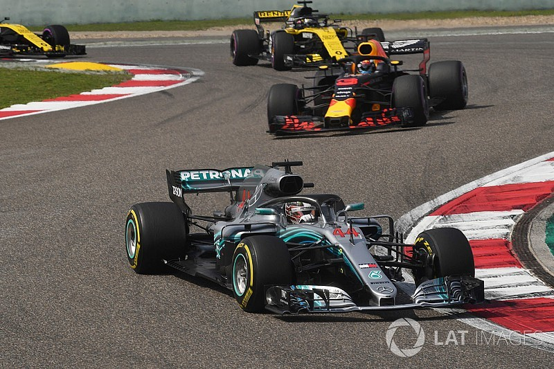 "Hamilton ""not in the best place"" in China, says Mercedes"