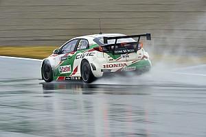 WTCC Motorsport.com hírek WTCC: Michelisz rajt-cél győzelmet aratott Motegiben a biztonsági autó mögött