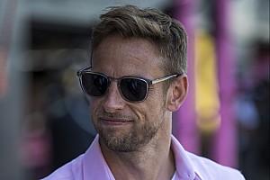 Jenson Button édesapa lesz