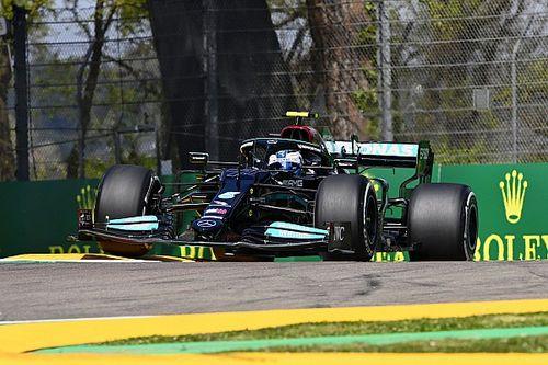 Bottas lidera el viernes, Pérez es 6° y Verstappen tiene problemas