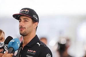 Ricciardo: Magyarországon azért szívesen hozzávágtam volna Verstappenhoz a sisakom...
