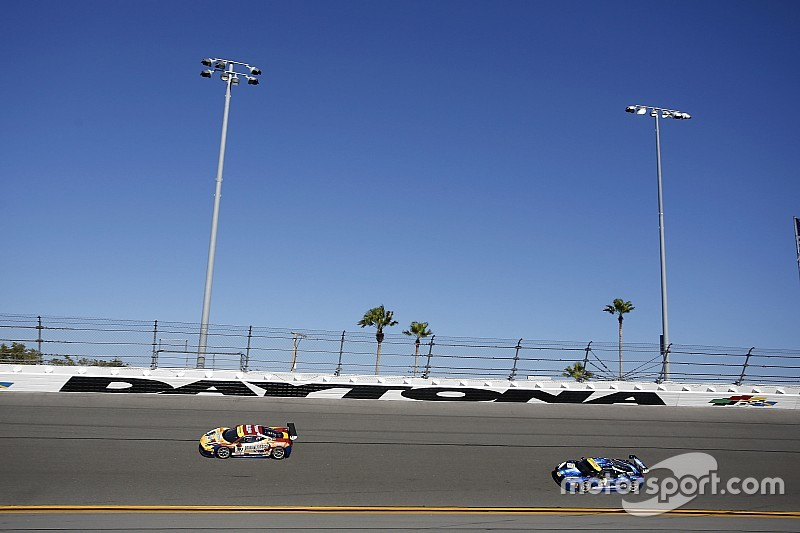 Daytona Ferrari World Finals: Lovat prevails in Coppa Shell