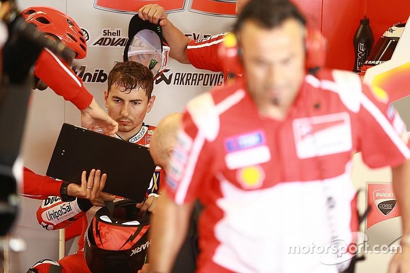 Plus à l'aise avec la Ducati, Lorenzo se rapproche
