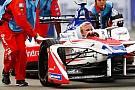 Formula E Megszűnik a Formula E-ben az autócserékre vonatkozó minimumidő