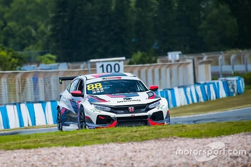 China: debutto con doppia pole position per André Couto con la Honda