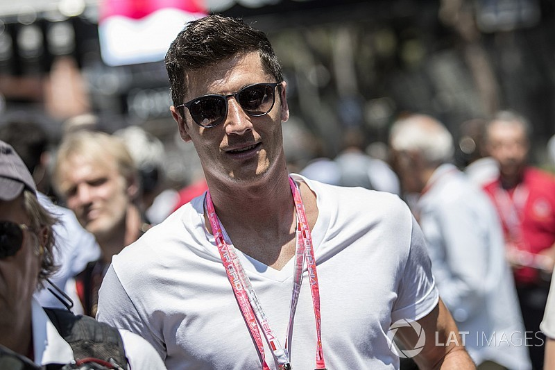 Football star Lewandowski reveals Dakar dream