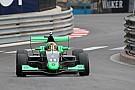 Formule Renault Sacha Fenestraz domine la séance d'essais à Monaco