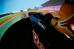 Formule Renault Interview Waarom zestienjarige racetalenten zweren bij oefenen in de simulator